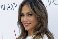 Jennifer-lopez-lighter-hairstyle-side